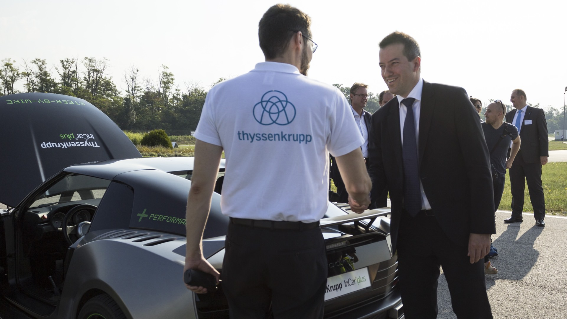 Self-driving car developed in Hungary has been presented by thyssenkrupp