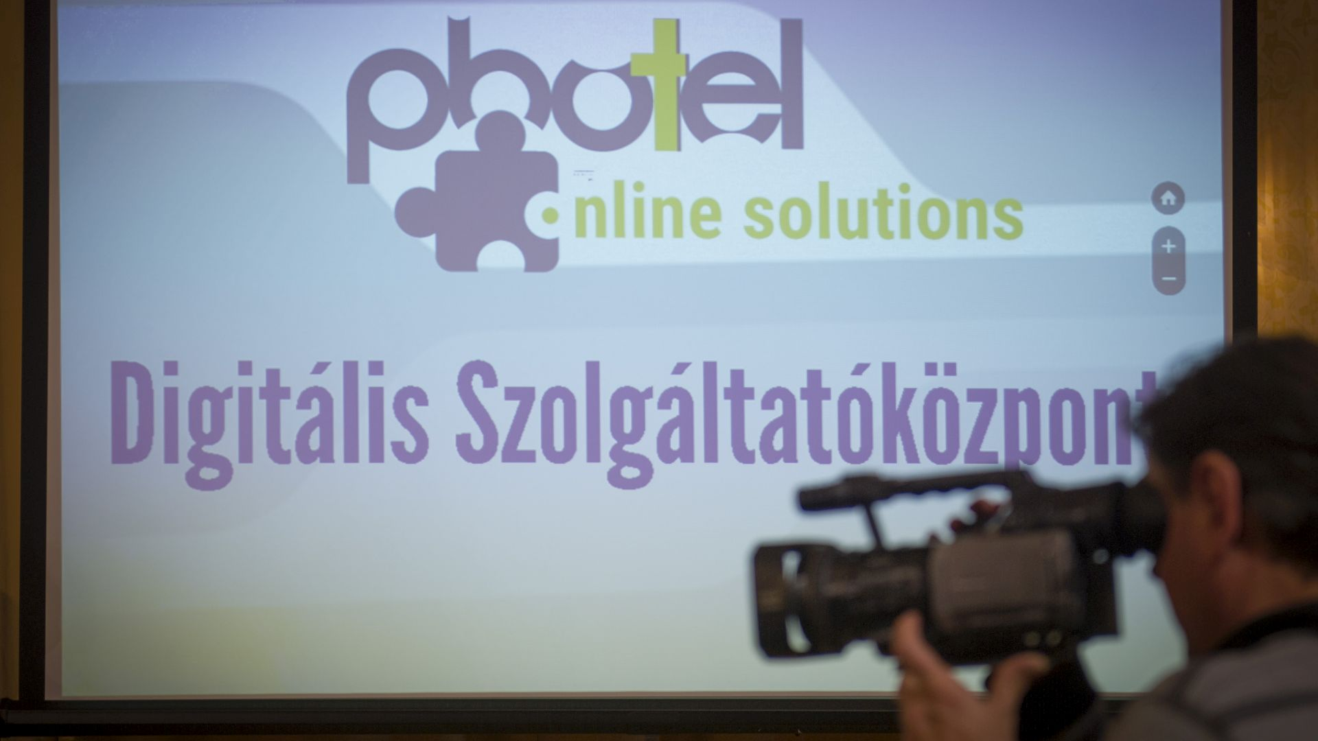 Photel Online Solutions establishes a digital service centre in Szekszárd